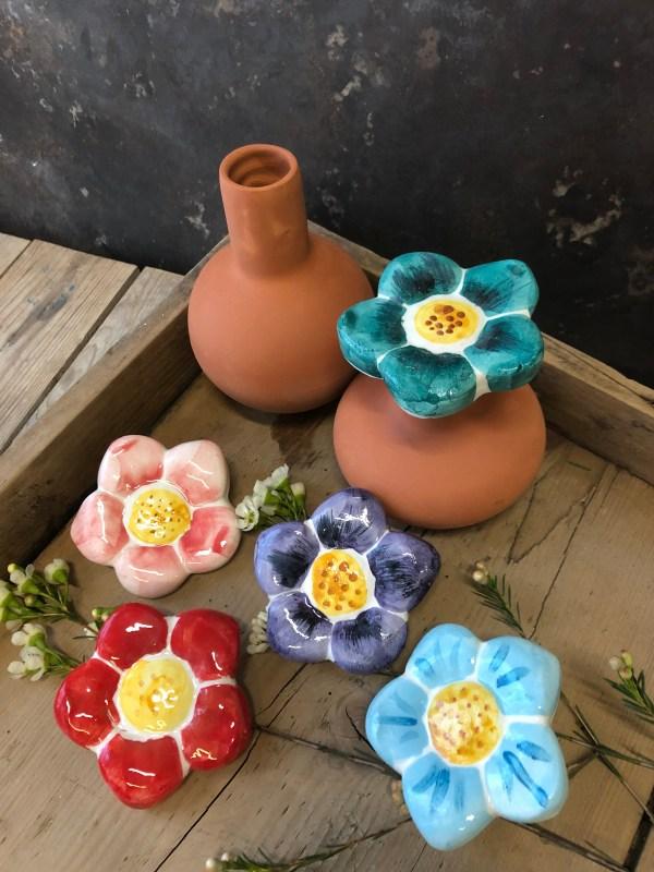 glinena posoda,olla, glinene posode za namakanje rož in vrta, glineni zamaški, glineni pokrovčki