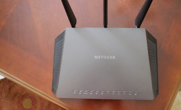 Top Of Its Game: Netgear R7000 Nighthawk Review - VR World