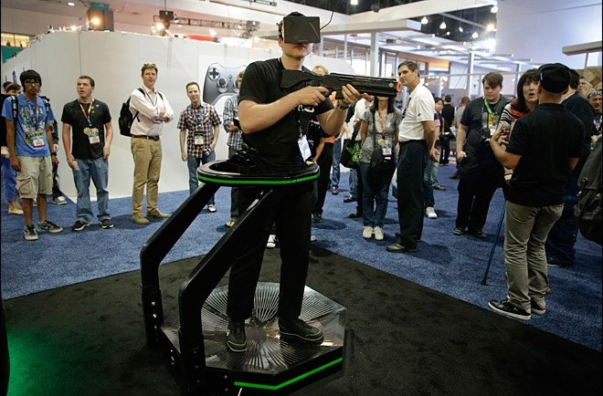 Virtuix Omni pre-production unit at E3