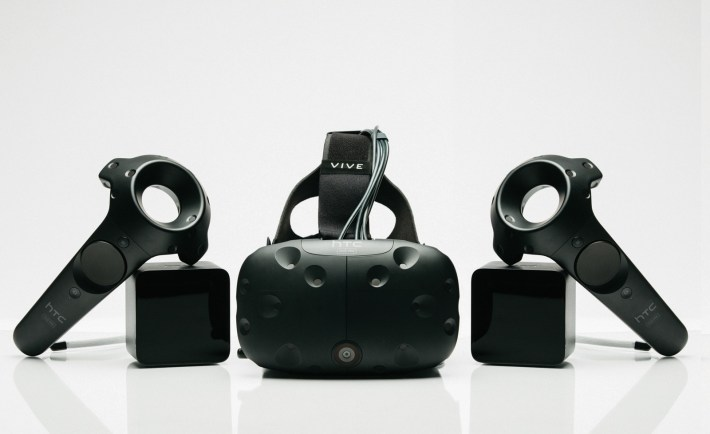 HTC Vive Pre Set. New controllers, new HMD, new 'Lighthouse' tracking units