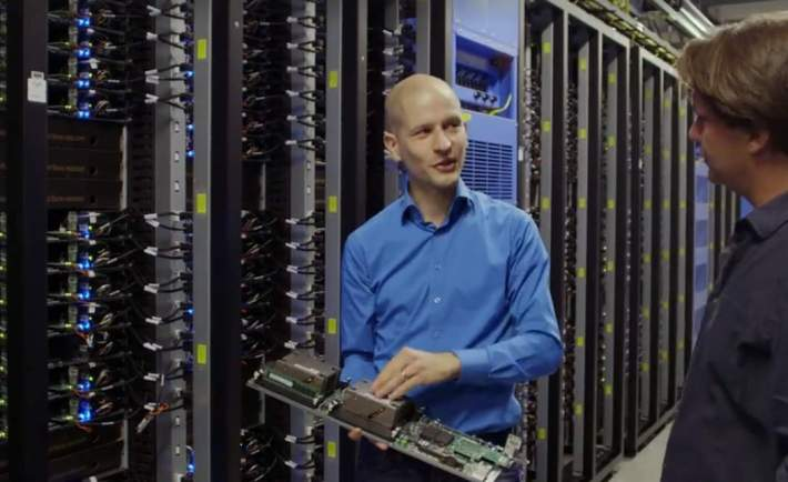 Facebook Server Data Center