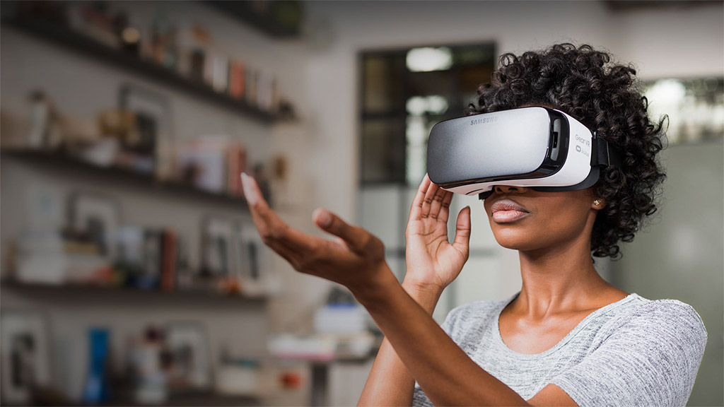 VR Holding the Hand in Air on Samsung GearVR