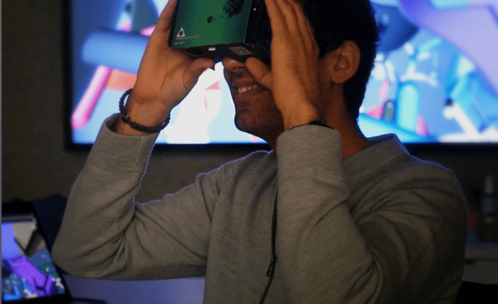 University of Toronto grad student first to use VR in