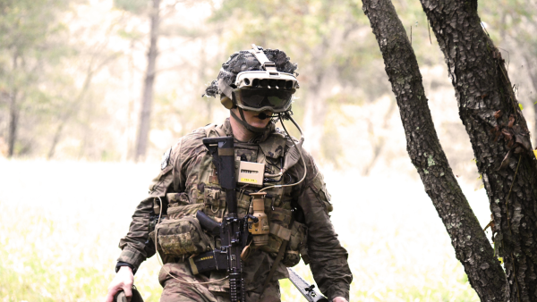 Soldiers play crucial role in development of US Army custom headset