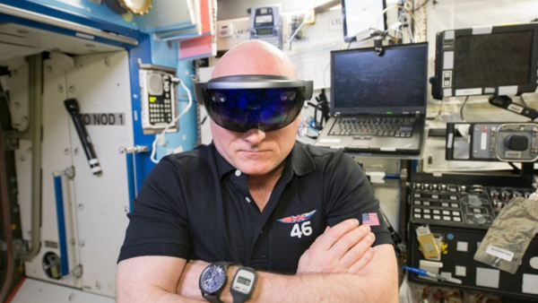 TRW - 24 September 2021 - Researchers fight fear of spiders with AR and more - NASA