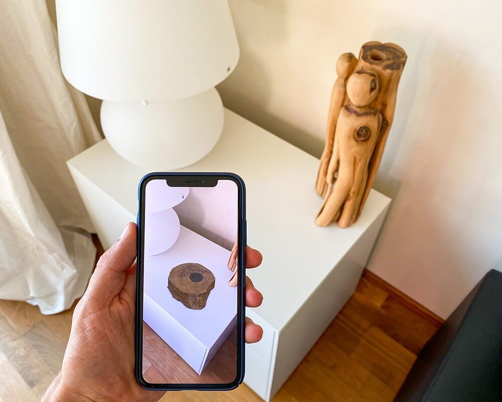 Image of a phone AR scanning an object