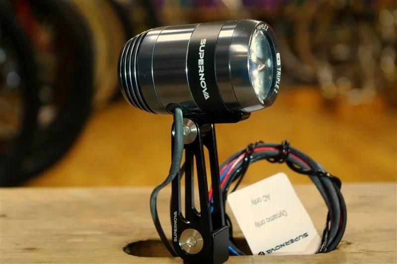 SUPERNOVA / E3 トリプルライト 640ルーメン ダイナモライト
