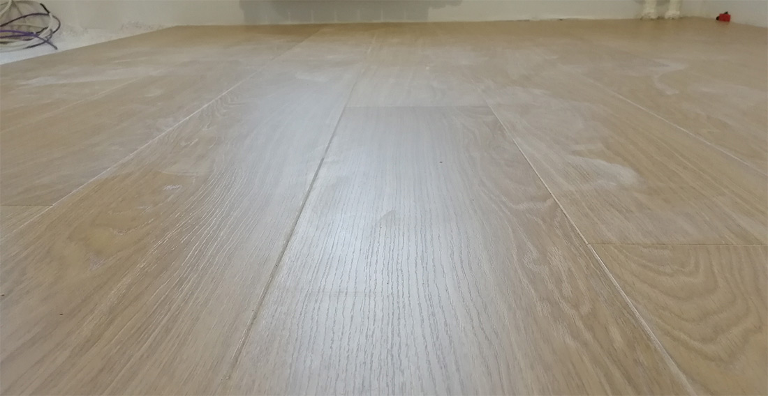 What a laminate is better with the fabrication or without - the opinion of the specialist