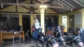 Teras untuk menerima tamu di KPUD DEPOK