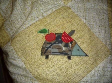 украшаем лоскутное одеяло