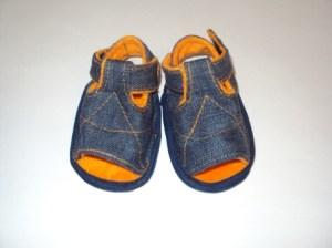 """""""почти настоящая"""" первая обувь для ребенка"""