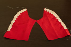 притачиваем зубы акулы