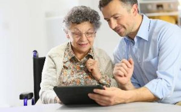 How Technology Can Help You Monitor the Safety of Your Aging Parents