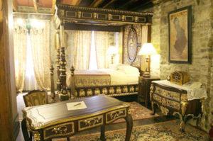 Египетский стиль в интерьере спальной-2
