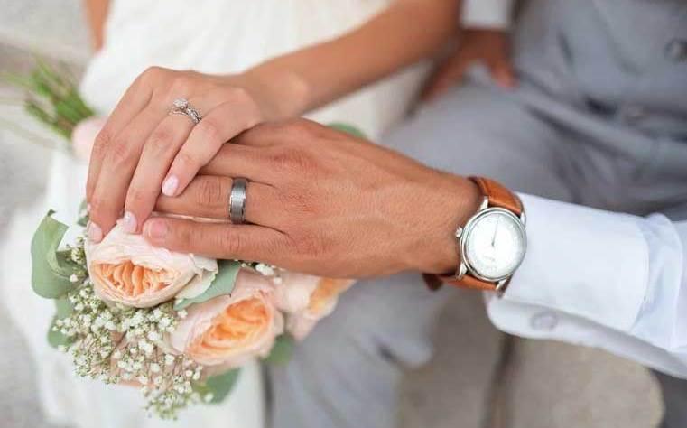 момиче се омъжи