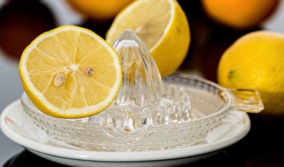 Лимоновият сок е полезен