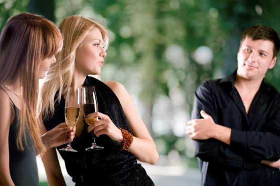 Что в первую очередь замечают женщины, когда смотрят на мужчину