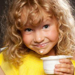 Ученые начали бить тревогу из-за йогурта