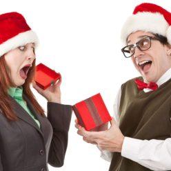 Названы самые раздражающие подарки на Новый год