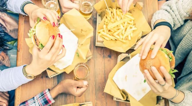 смертей связано с приемом некачественной пищи
