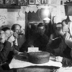 Почему русские едят все с хлебом