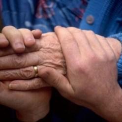95 пенсионеров в нашей области живут в приемных семьях