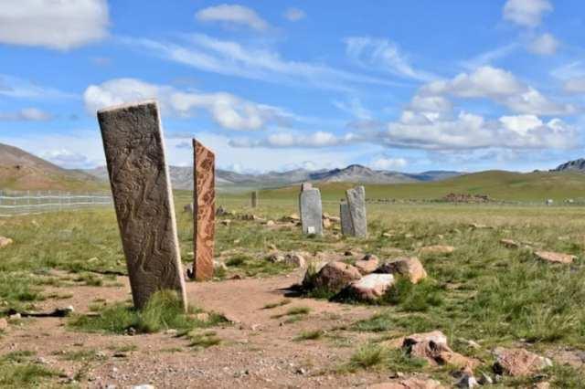 4. Оленьи камни (Монголия и Сибирь).
