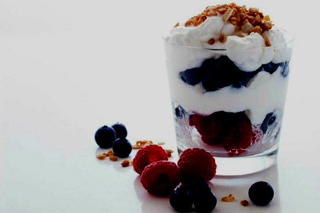 Yogurt Parfait   Top Healthy Weight Loss Meals To Try   healthy food to lose weight
