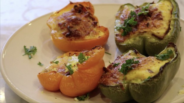 Low-Carb Breakfast Stuffed Bell Peppers | Weight Loss Recipes for Every Meal