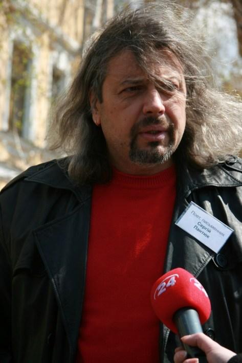 Журналісти люблять колоритних письменників, зокрема Сергія Пантюка