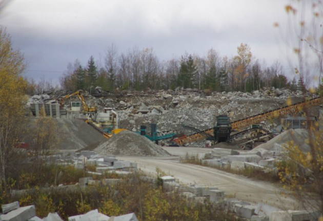 Rock-crushing operation restarts, and so does opposition