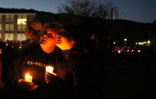 Nearly 1,000 mourn deaths of five teens in I-89 wrong-way crash