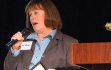 Business group honors legislator while planning next pitch