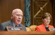 Leahy introduces automatic voter registration law