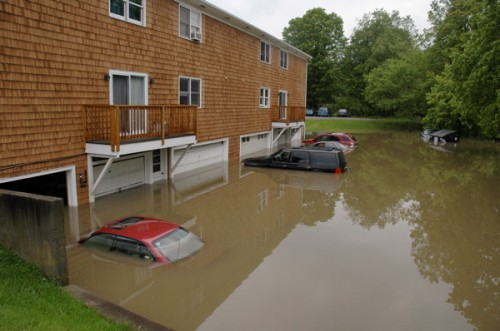 Submerged cars and apartments near the North Branch in Montpelier. VTD/Andrew Nemethy