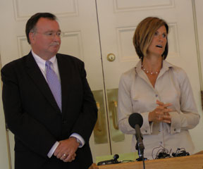 GMP CEO Mary Powell, right, and CVPS CEO Larry Reilly. VTD/Anne Galloway