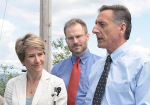 From left: Karen Marshall, chief of ConnectVT; Chris Campbell, executive director of the Vermont Telecommunications Authority; and Governor Peter Shumlin.