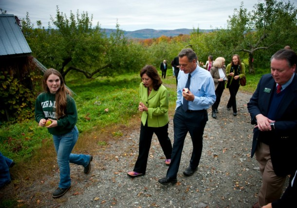 In October 2012, Gov. Peter Shumlin, Vermont Technical College staff and students show U.S. Department of Labor Secretary Hilda Solis the school's apple orchard during her visit to the college. Photo by Adam Caira/Department of Labor