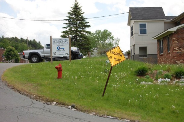 The housing complex in St. Johnsbury, where 22-month-old Mason Keithan lived with his parents, Alicia Mitchell and Vincent Keithan. Mason was found dead May 31, 2014. Photo by Laura Krantz/VTDigger