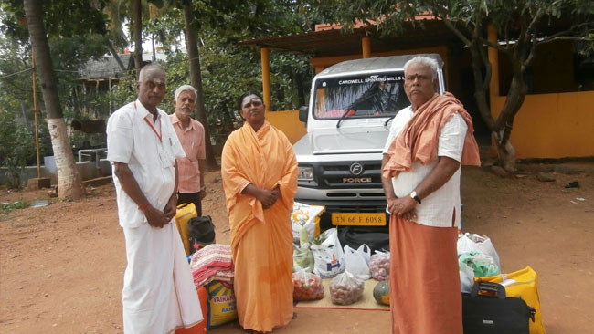 Vikasa Tarangini Coimbatore Donated Clothes Food Materials to Old Orphans Handicapped
