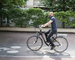 La vitesse maximale d'un vélo à assistance électrique