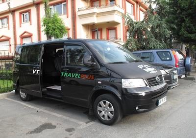 Xe đưa đón của công ty VT Travel Plus