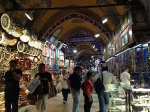 Ngôi chợ cổ Grand Bazaar.