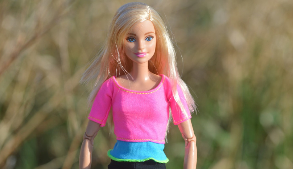 By 2006, Bratz dolls were posing a threat to the domination of Barbie dolls.