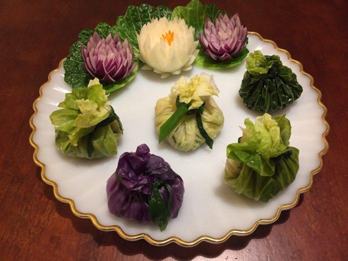 Delightful Asian Cabbage Wraps (vegetarian)