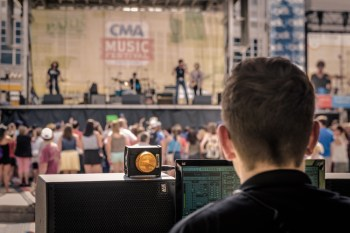 Andrew-Dowling-mixes-FOH-Belk---Walk-of-Fame-Park-Stage-@-CMA-Fest-2015_40