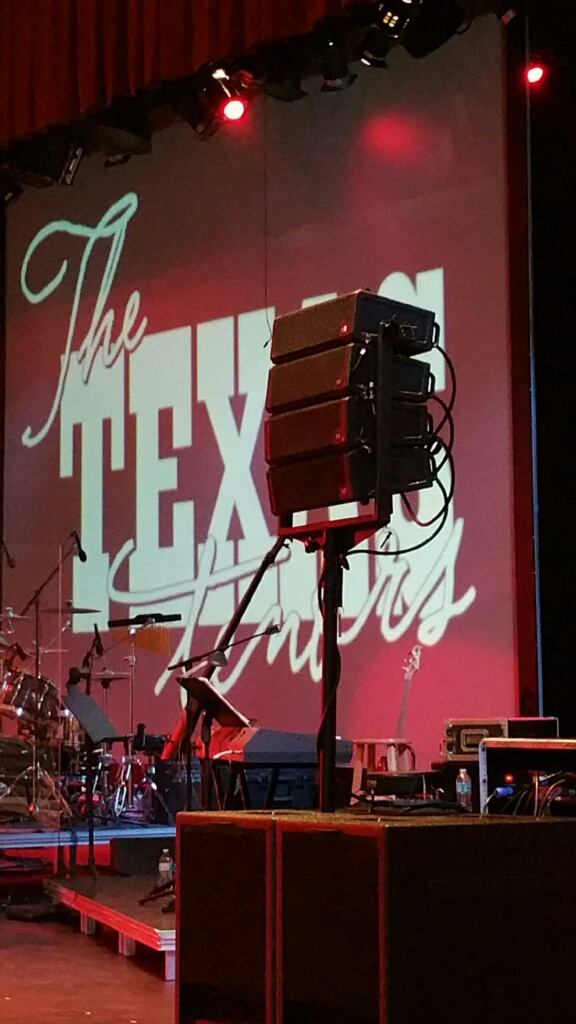 The Texas Tenors perform with Rockin Robin's al-4 system