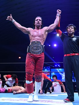 Jay White with his new title