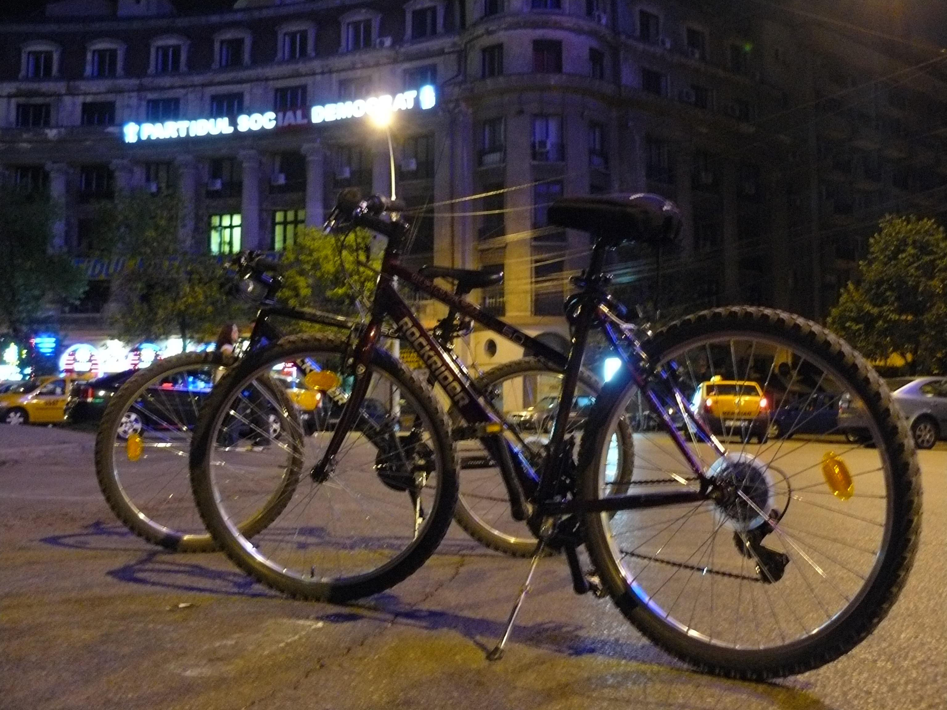Pregatite de pedalat
