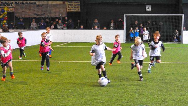 Fußball-Kiddies - hier steht der Spaß und die Freude im Vordergrund!